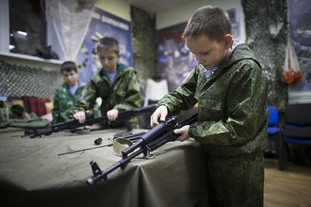 russia-young-army-ap-16348584010102.jpg