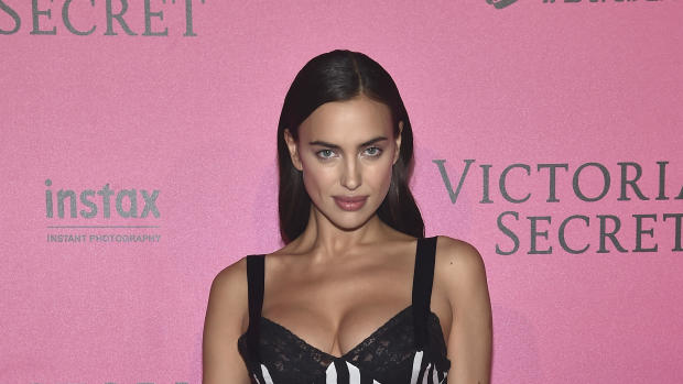 3b20a2d368 Irina Shayk sparks Bradley Cooper engagement rumors with new ring - CBS News