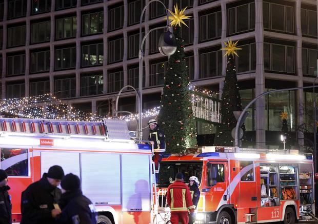 2016-12-19t205100z-1450180718-lr1eccj1lwphl-rtrmadp-3-germany-truck.jpg