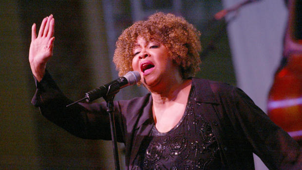mavis-staples-2002-getty-2258088.jpg