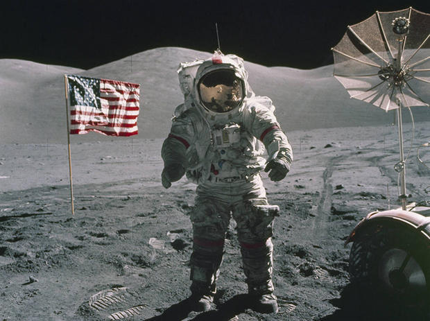 men on the moon the 12 men who walked on the moon pictures cbs