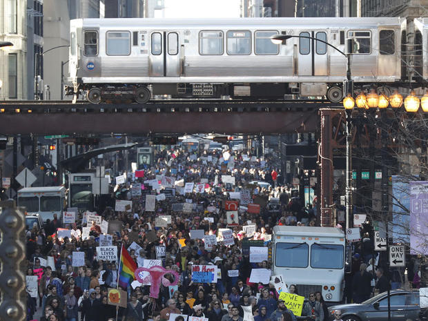 womens-march-chicago-getty-632301936.jpg
