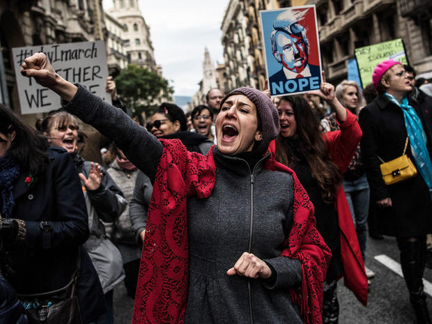 womens-march-barcelona-getty-632281416.jpg