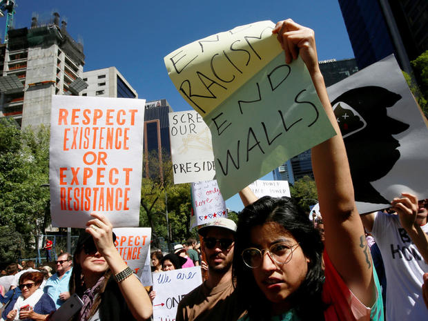 womens-march-mexico-city-rc1110448700-rtrmadp.jpg