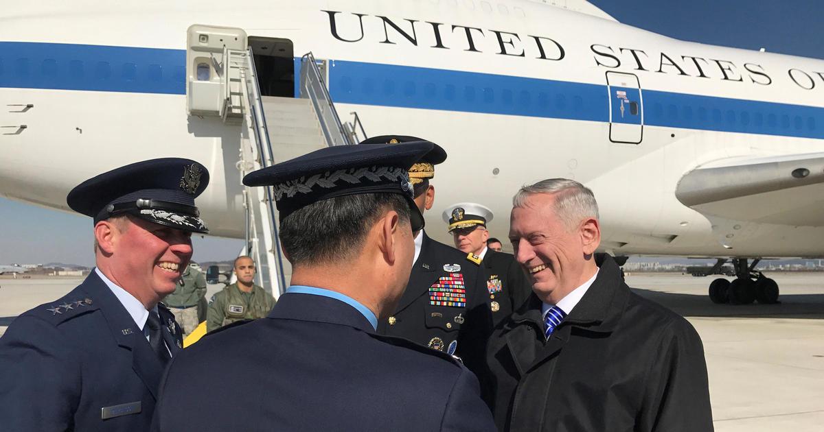 د امریکا دفاع وزیر په نا اعلان شوي سفر کابل ته راغلی