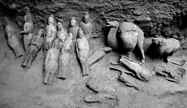 figurine-tomb-7.jpg