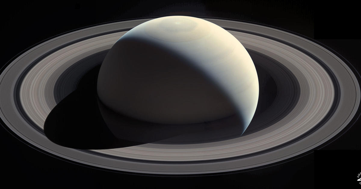 saturn 39 s rings captured in stunning photos cbs news. Black Bedroom Furniture Sets. Home Design Ideas
