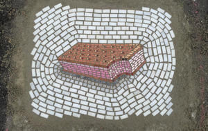jim-bachor-pothole-art-strawberry-ice-cream-sandwich.jpg