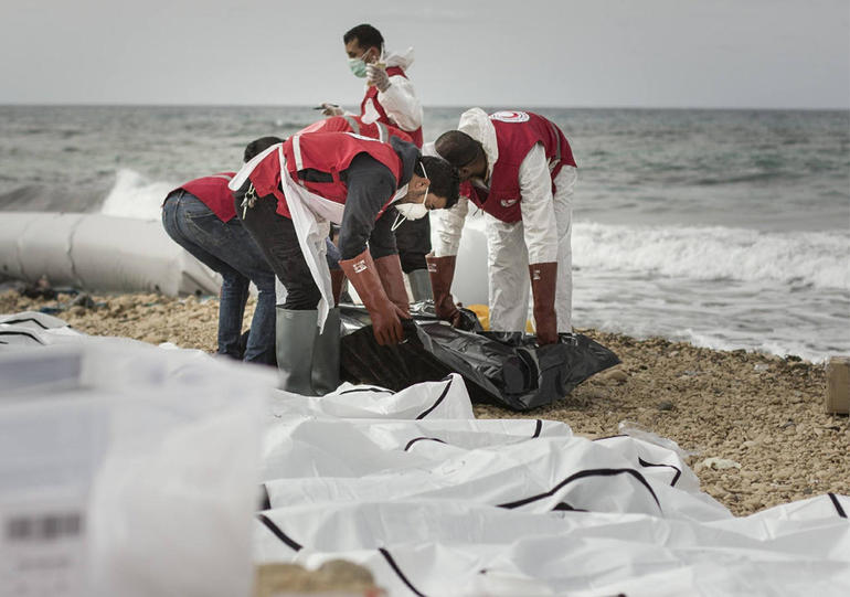 red-crescent-libya-migrants.jpg