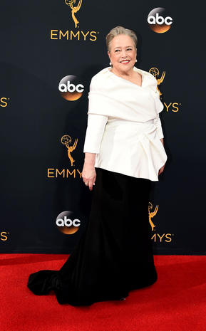 9c0a46fa253 Kathy Bates - Christian Siriano s red carpet looks - Pictures - CBS News