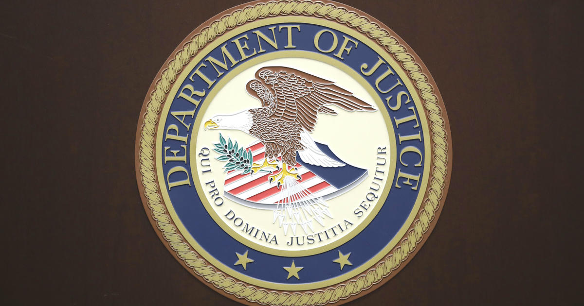 Judges and ICE attorneys demand closure of immigration courts