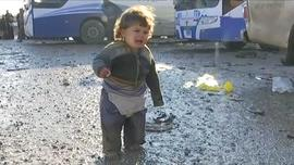 ctm-0306-iraq-isis-fight-baby-without-shoes.jpg