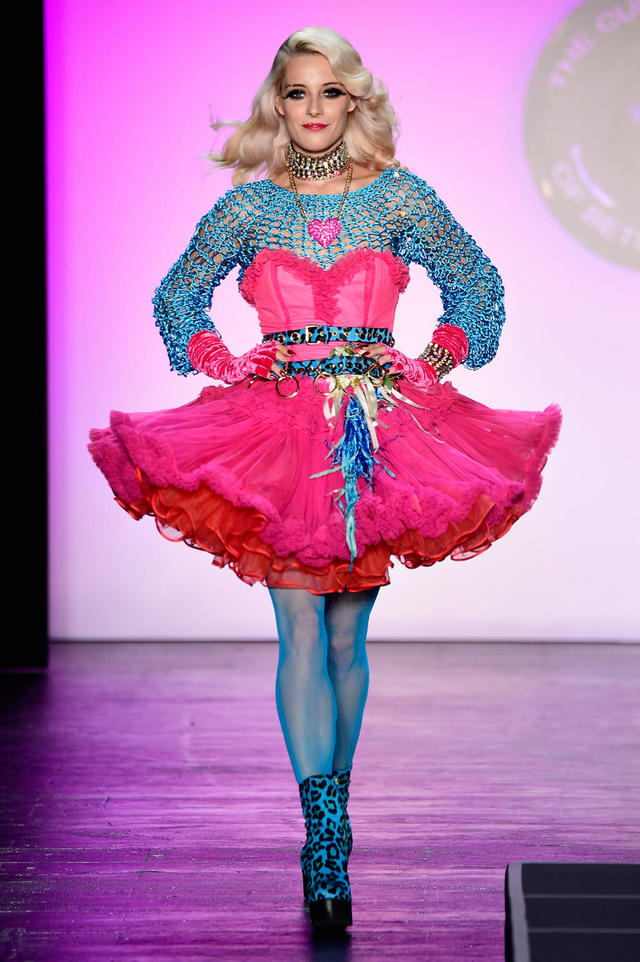 Betsey Johnson on the runway , Pictures , CBS News