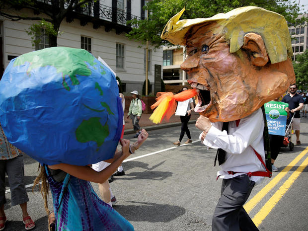 peoples-climate-march-2017-04-29t200601z-101599294-rc17dcd8e6e0-rtrmadp-3-usa-trump-protest.jpg