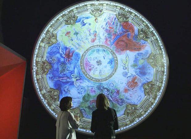 chagall-installation-rita-braver-a.jpg