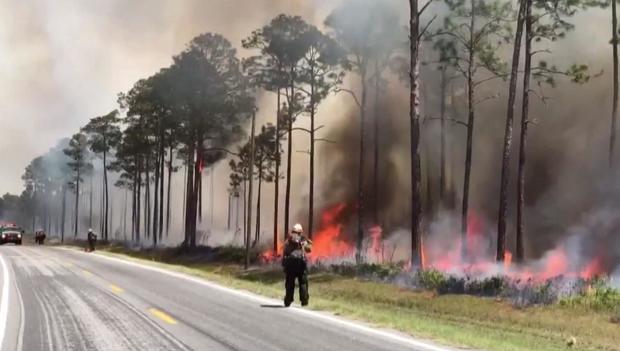 170507-wmaz-georgia-wildfire-01.jpg