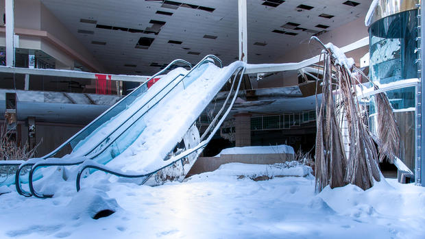 Eerie photos of abandoned malls and retail stores around the world