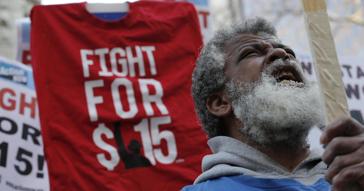 $15 minimum wage: Calls mount to make Amazon's move the