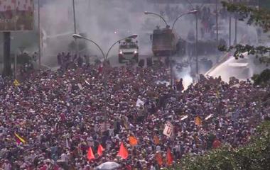Protesters hurl feces as death toll in Venezuela nears 40