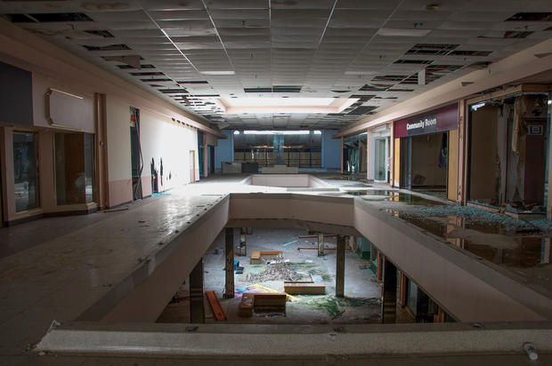 Shadows Eerie Photos Of Abandoned Malls Pictures CBS News - 30 haunting images abandoned shopping malls