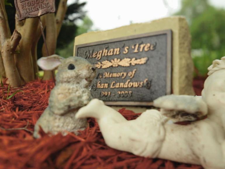 landowski-grave-marker.jpg