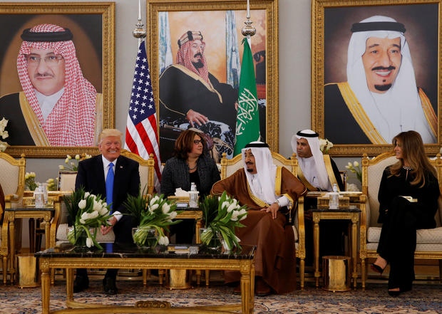 trump-in-saudi-king-salman.jpg