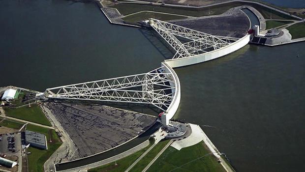 sea-barriers-rotterdam-620.jpg
