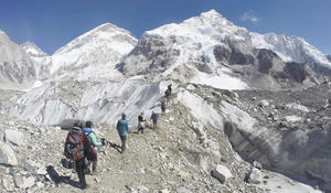 "Human traffic jam atop Mount Everest's ""death zone"""