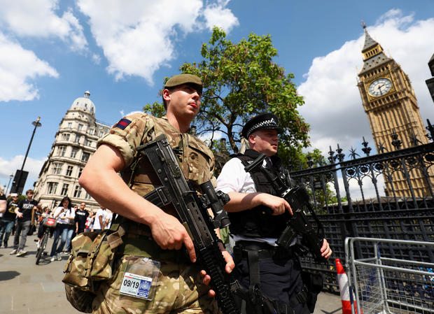 2017-05-24t141020z-741526680-rc1afb666400-rtrmadp-3-britain-security-manchester.jpg
