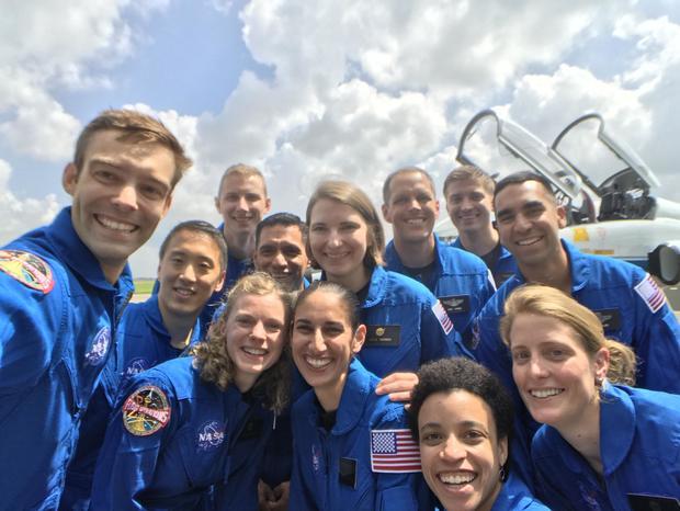 2017-astro-class-selfie.jpg