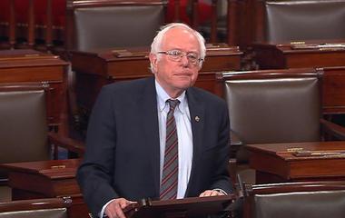 """Sanders decries """"despicable"""" shooting by campaign volunteer"""