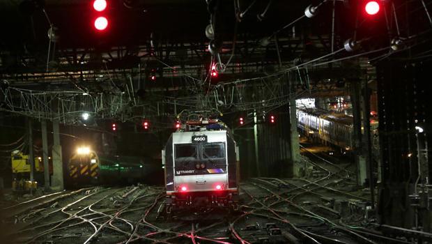 penn-station-delays-620-ap-17145645855707.jpg