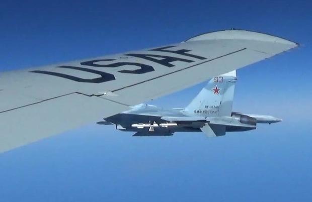 170622-intercept-russia-us-recon-jet-02.jpg