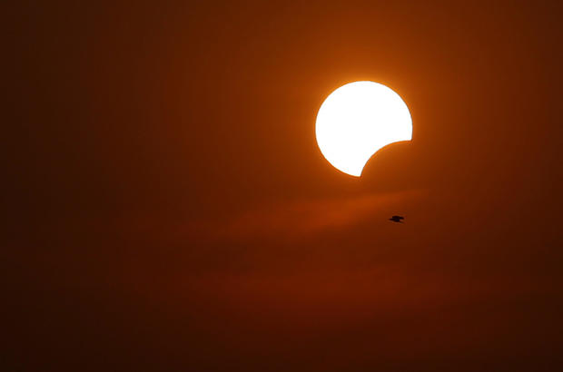 Dazzling solar eclipse photos that won't fry your eyes