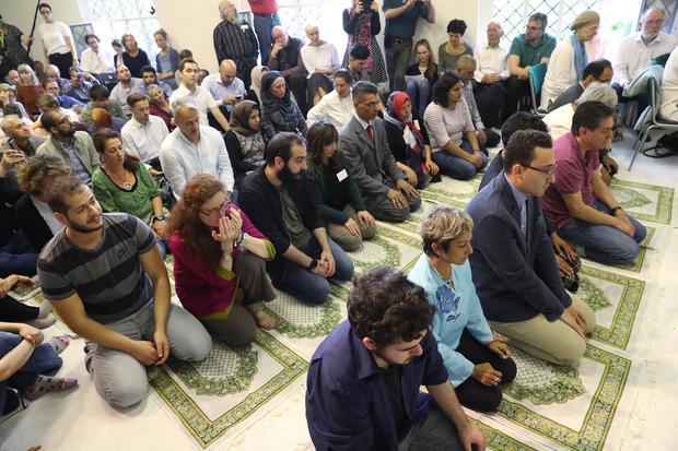 berlin-liberal-mosque-696542802.jpg