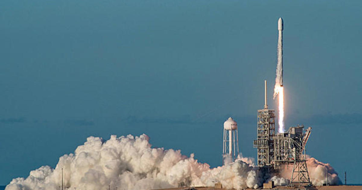 3rd time's the charm for SpaceX comsat launch