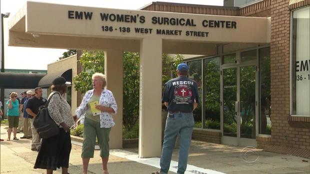 0723-en-werner-abortionclinic2.jpg