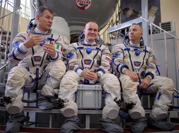 ms-05-crew2.jpg