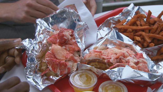 lobster-roll-at-red-eats-620.jpg