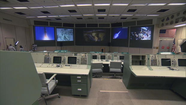 ctm-0801-nasa-mission-control-2.jpg