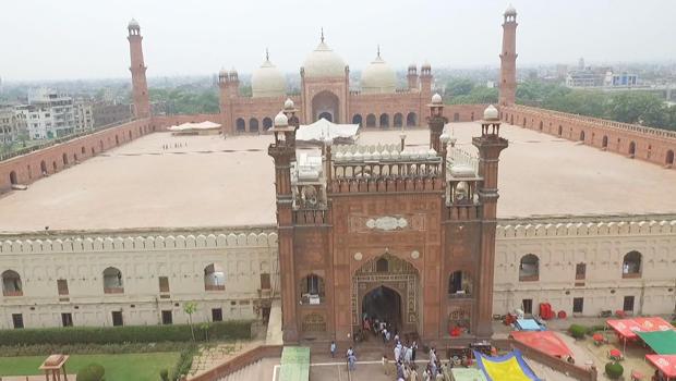 badshahi-mosque-lahore-pakistan-620.jpg
