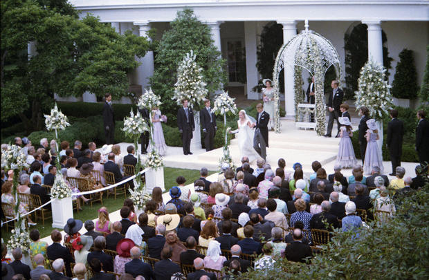 Showing Off The Rose Garden With A Wedding Presidents White House Pictures Cbs News