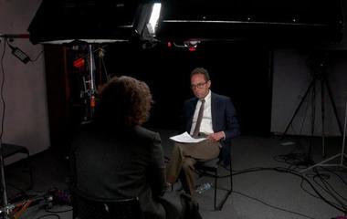"What's ""fake news""? 60 Minutes investigates"