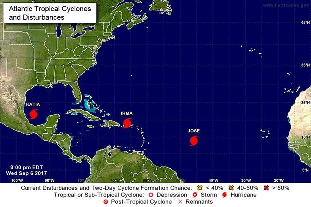 170906-nhc-triple-hurricanes-8pm.jpg