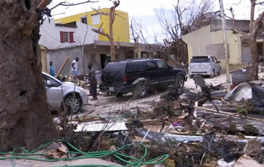 American stranded in St. Martin fears for safety