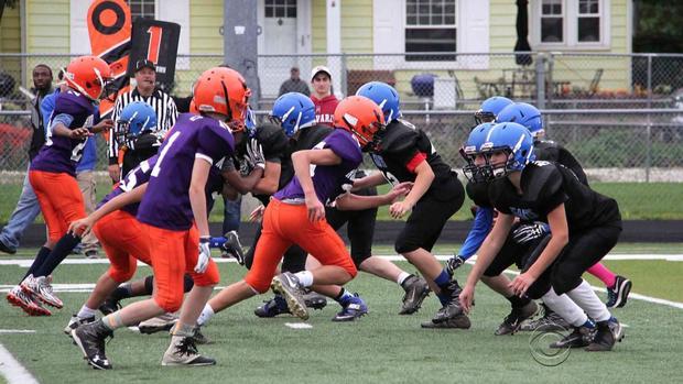 0920-en-reynolds-kidsfootball2.jpg