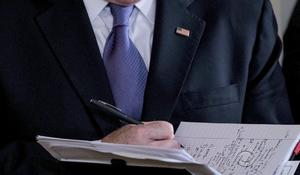 Sean Spicer's notes draw attention of special counsel Robert Mueller