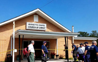 Gunman opens fire at Tennessee church, killing 1 person