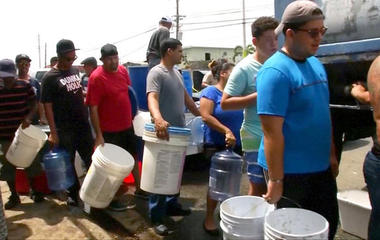 Puerto Rico governor asking truck drivers to help transport food