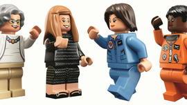 satmo-110417-lego.jpg